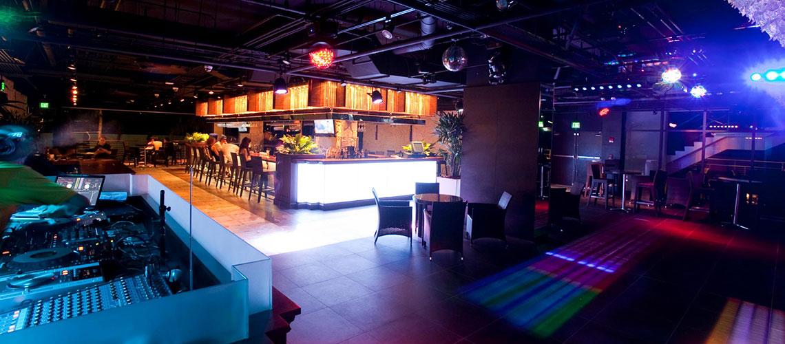 Century XXI Poolside Bar & BBQ
