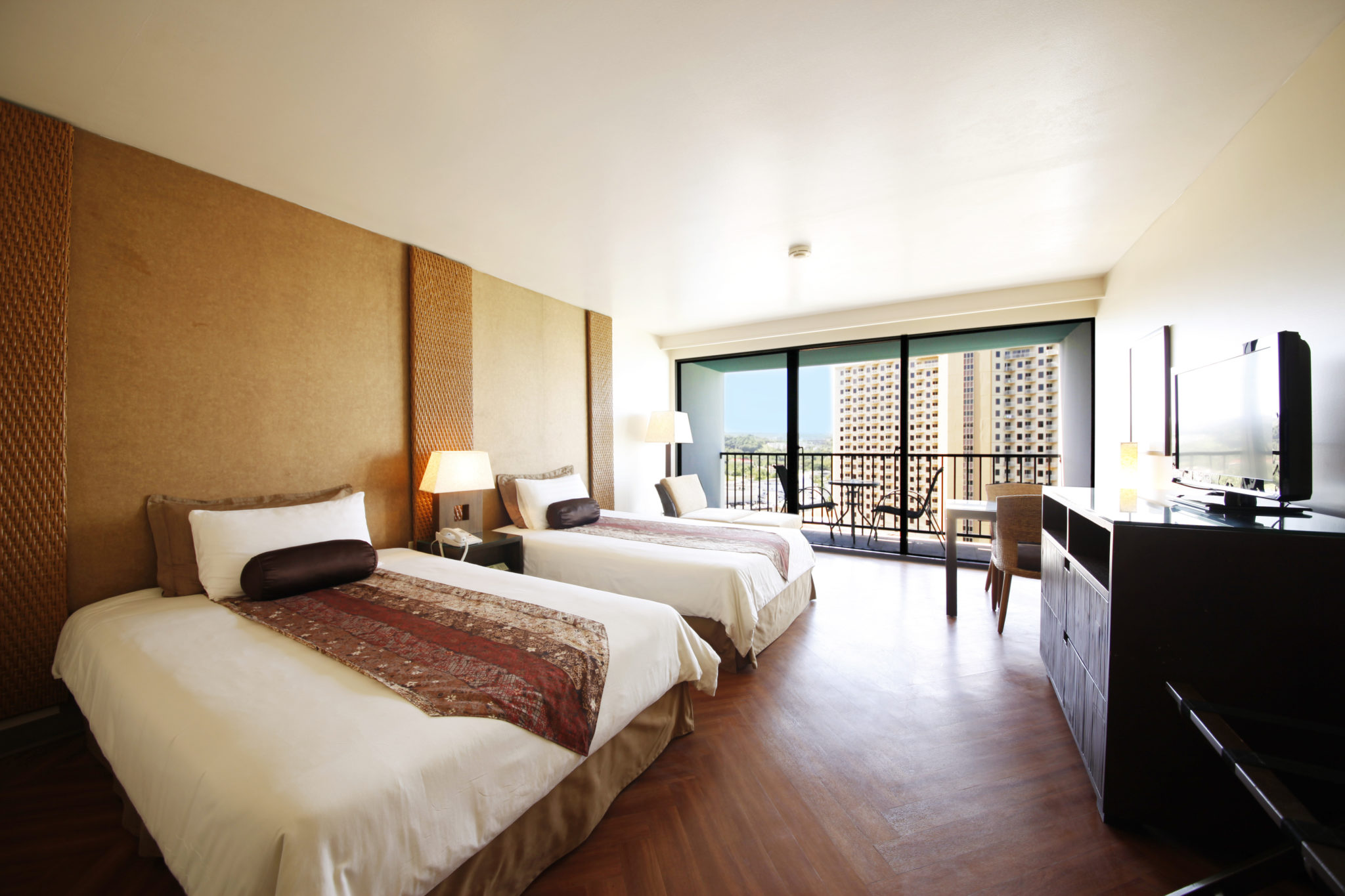 【Official Website Booking Only】Book Infinity Twin for 2+ nights, get 1-time breakfast for free!