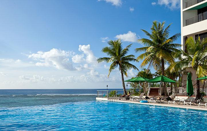 グアムの海に抱かれる極上のリラクゼーション